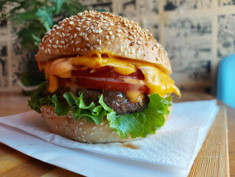 Besplatna dostava burgera u Trogiru