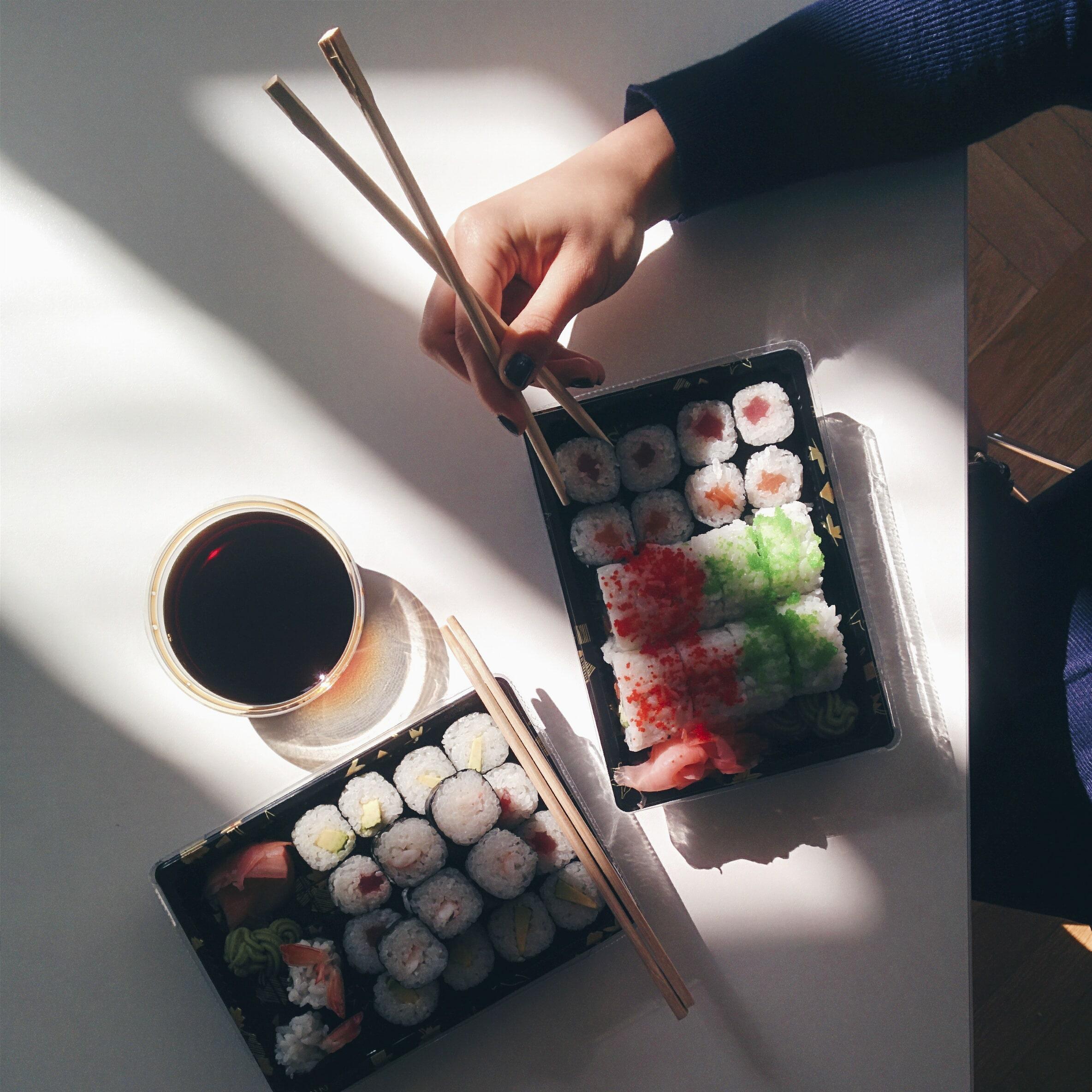 Naruči sushi na dobartek.hr